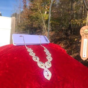 NWT Clair's Rhinestone Necklace